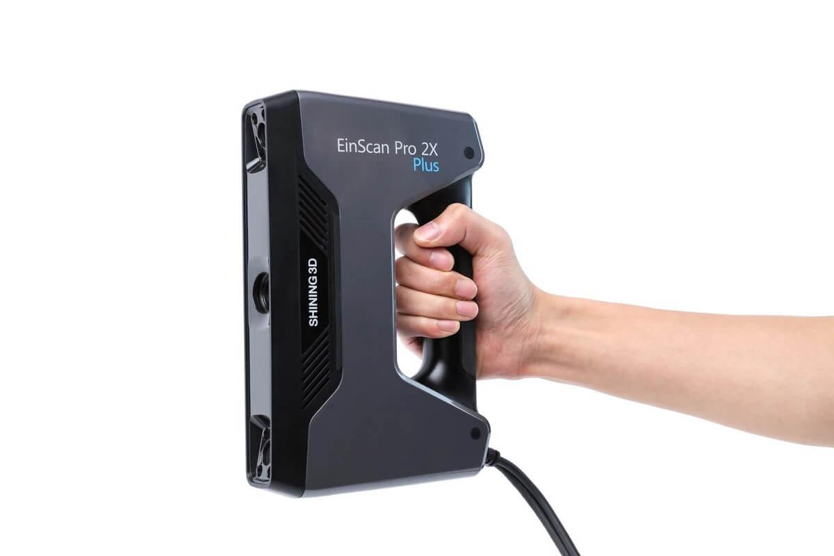 3d-scanner-2X_Pro_PLUS_in_hand