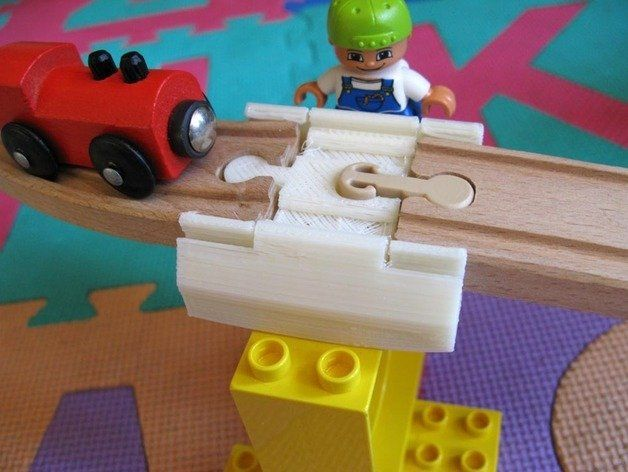 Duplo Brick to Brio Track adapter with snap-lock