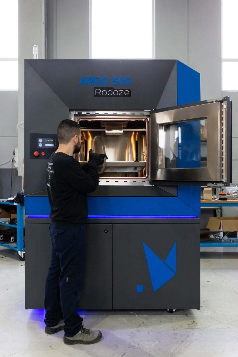 Roboze Argo 500 3D printer opened